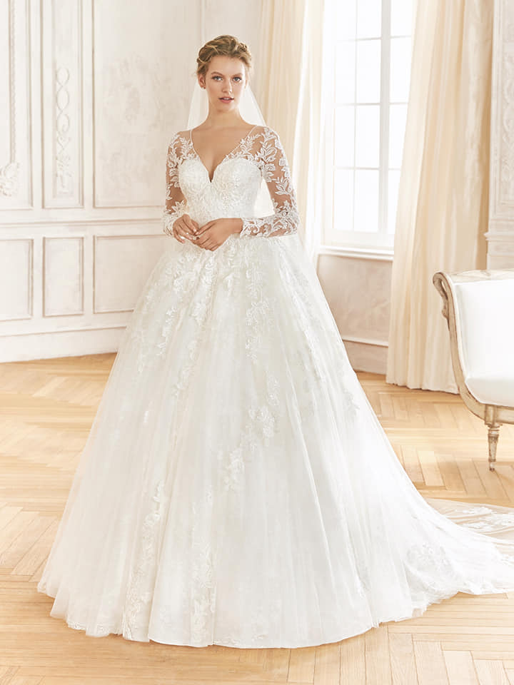 Abiti Da Cerimonia Queen.The Queen L Abito Da Sposa Seducente Raffinato Che Non Lascia